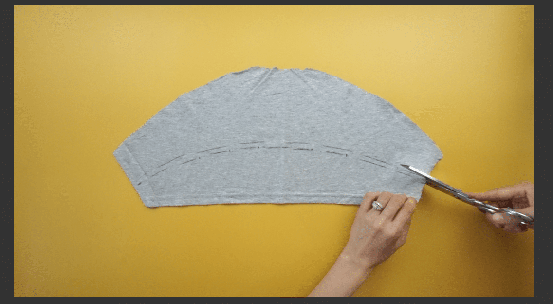 Draw the ruffles with fabric chalk and then cut along the line.