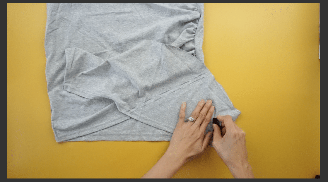 Mark the panel measurements with fabric chalk with the necessary seam allowance.