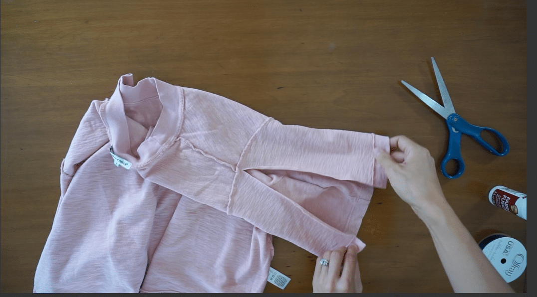 Cut the sleeve from the sleeve opening to the shoulder seam