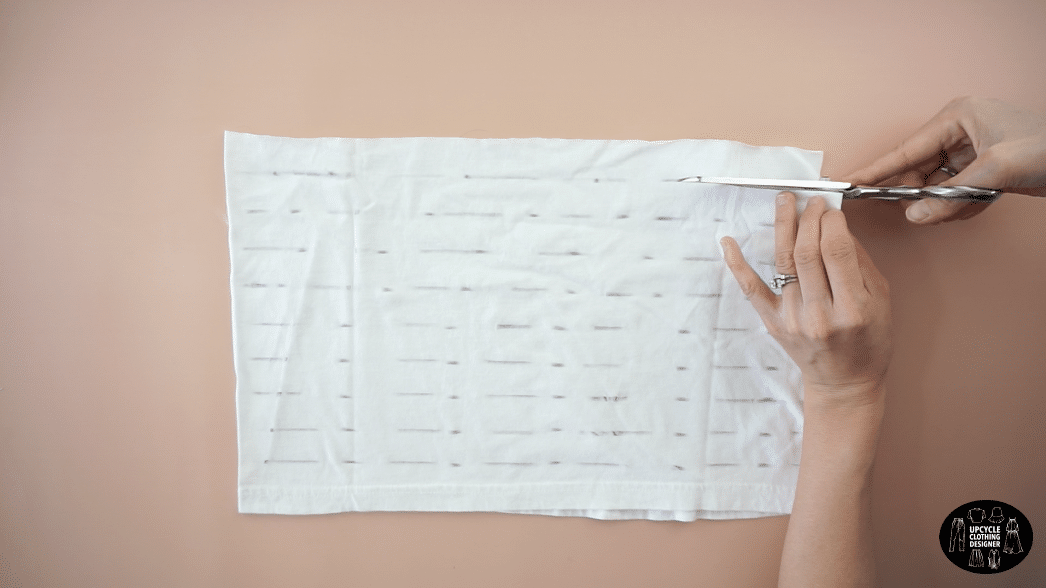 """use fabric scraps to cut 8 separate 1"""" wide straps."""