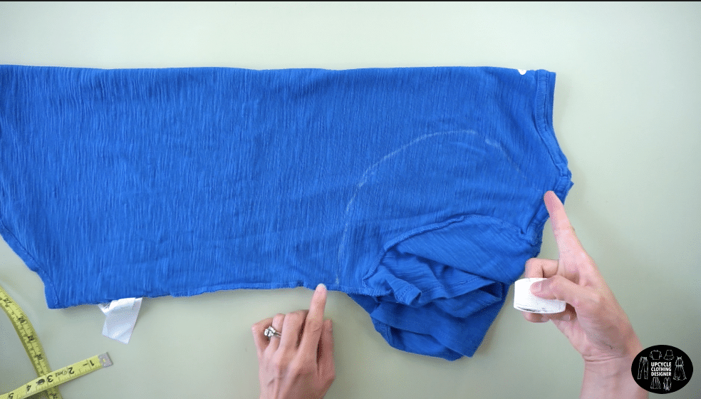 Draw the racerback with fabric chalk on the back of the tee.