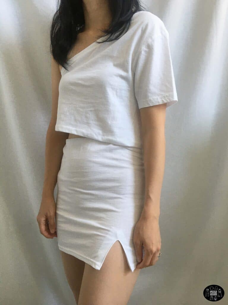 One shoulder crop top paired with the side slit mini skirt