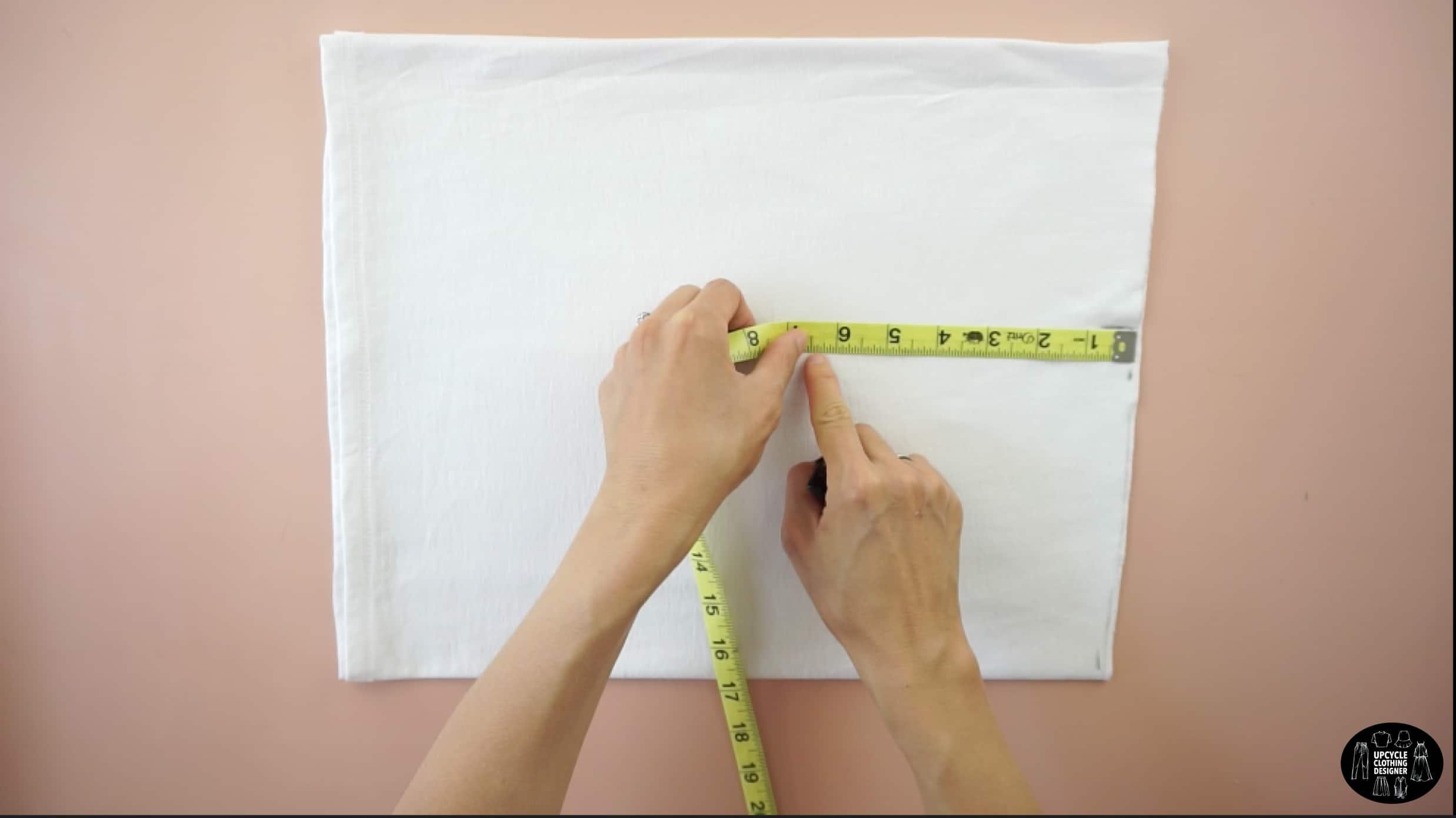 Measure the waistline for the mini skirt