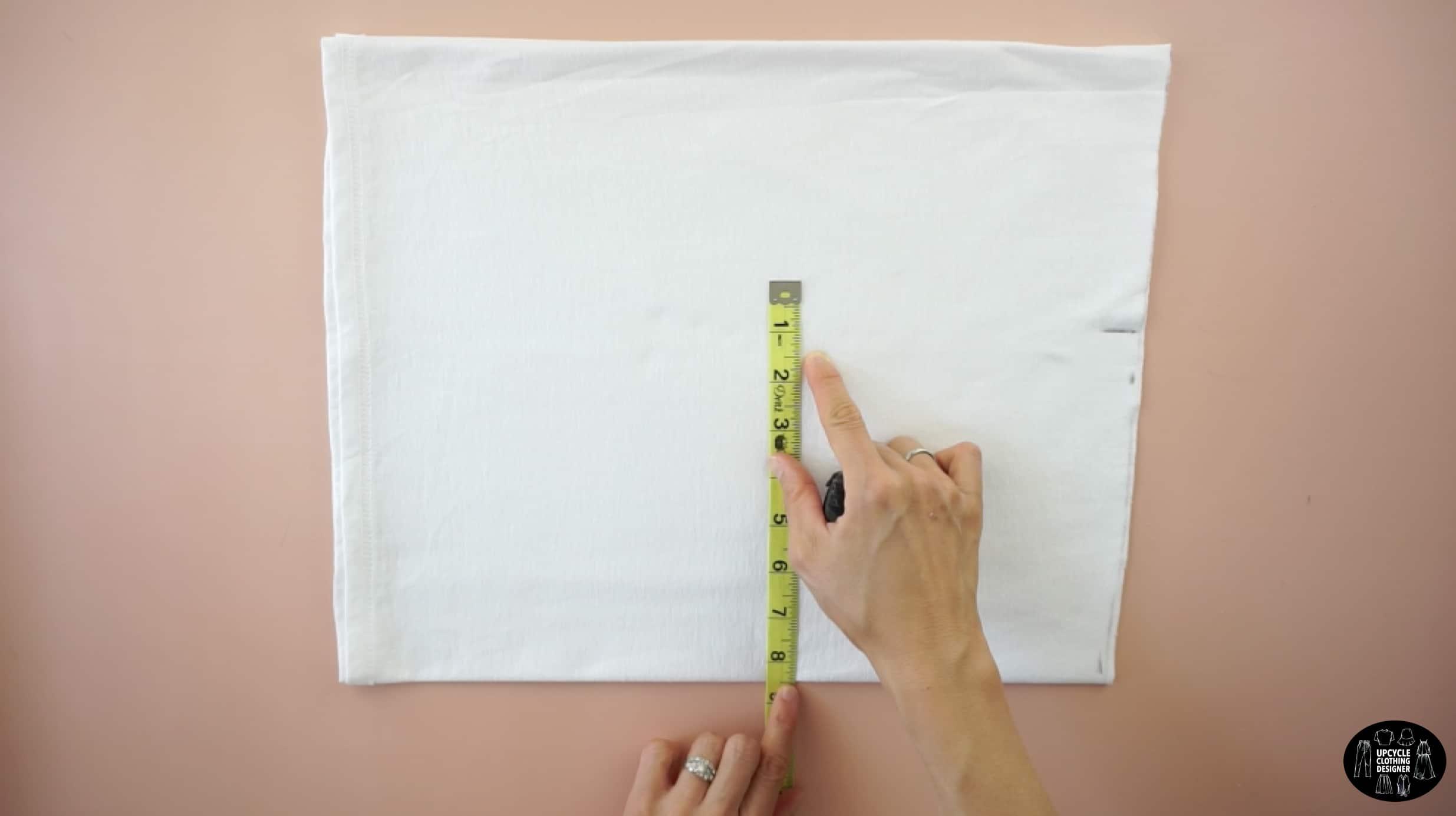 Measure the hips for the mini skirt