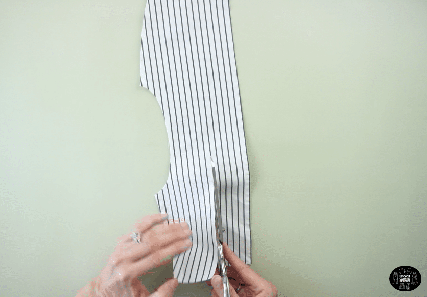 Use the original yoke piece to make the waistband of the shorts from men's dress shirt.
