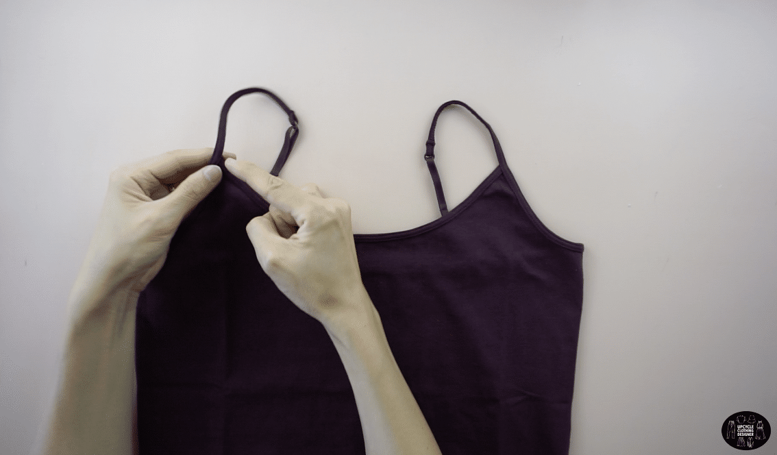 Cut off the original shoulder straps of the camisole