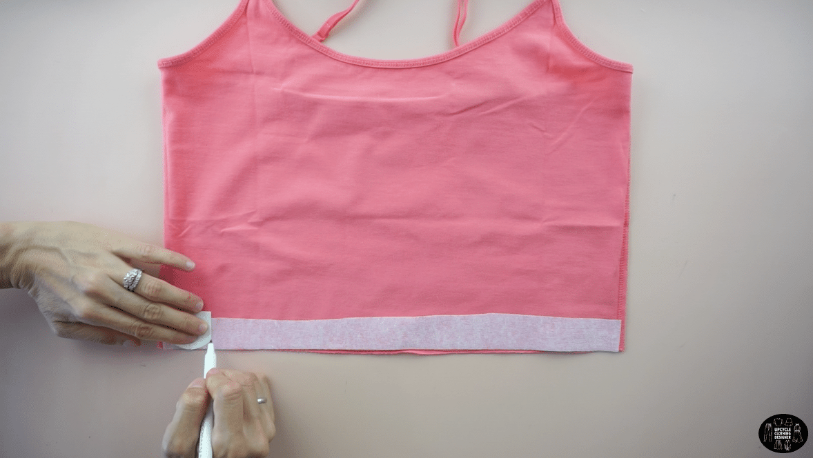 Copy the scallop shape pattern onto the interfacing.