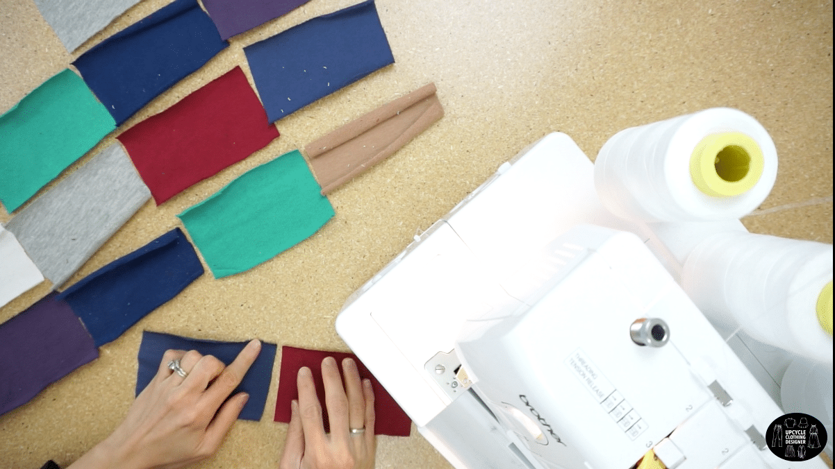 Attach the fabric pieces with the right sides facing together to make the patchwork fabric