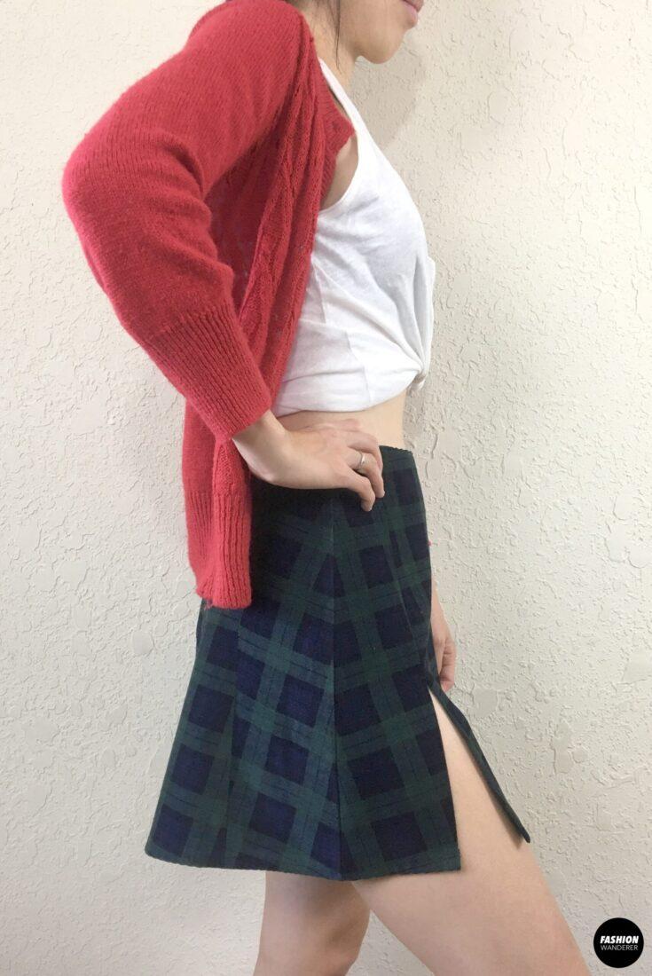 Kai mini skirt side slit view