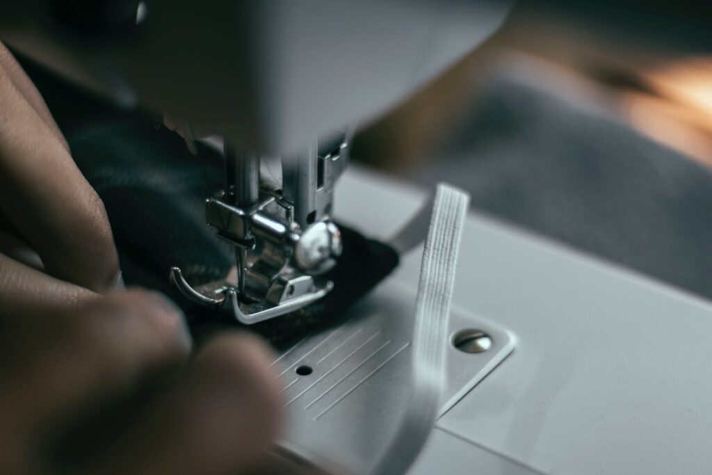 attaching elastic on fabric with sewing machine