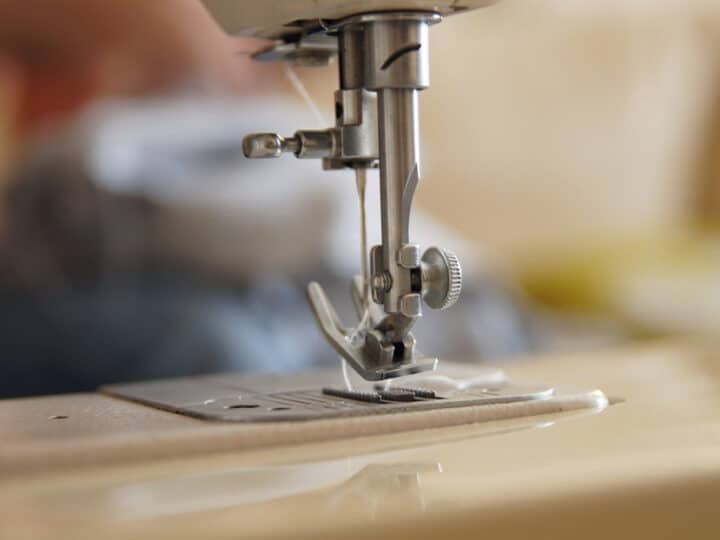 How Do You Know When To Change The Needle On Sewing Machine