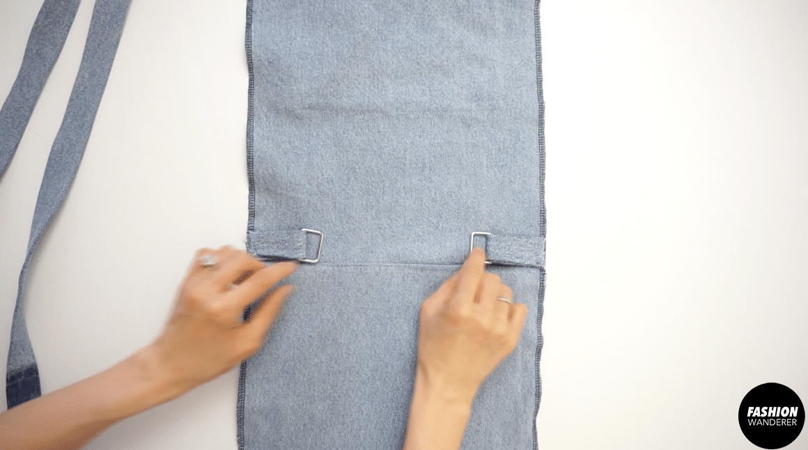 """¼"""" topstitch to secure the position on both sides."""