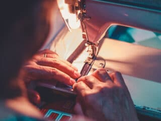 sewing zipper on sewing machine with regular foot