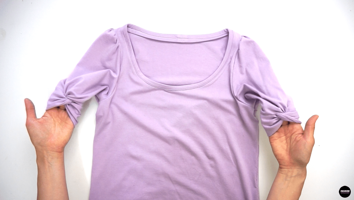 Give a nice press on the hem, side seam, and armhole to finish this adorable Everly puff sleeve with twist knot t-shirt.