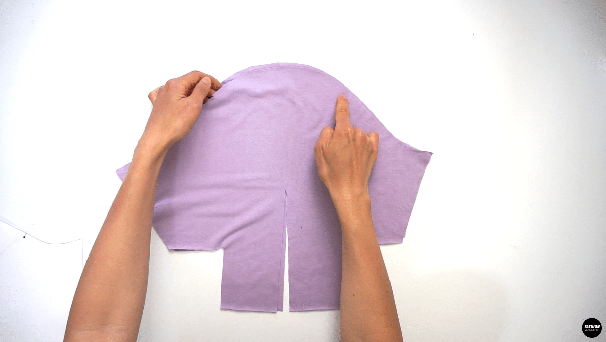 From front single notch to back single notch, sew 2 straight stitches with 3.5 wide stitch length for gathering.